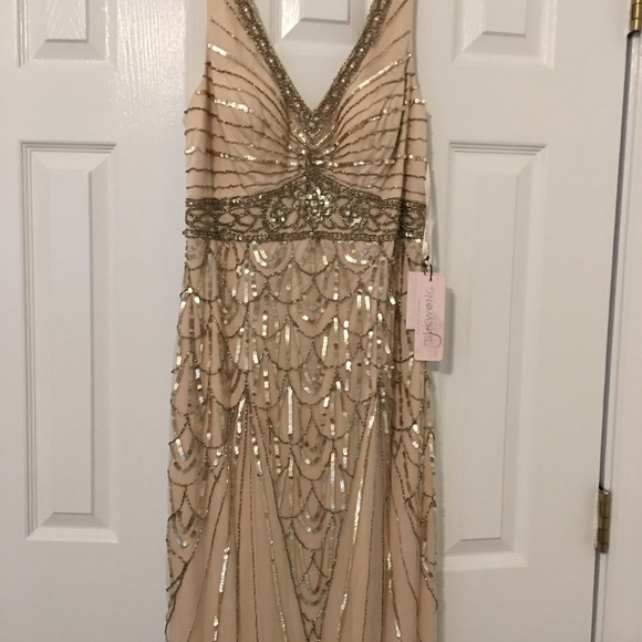 Sue Wong Dresses & Skirts - Brand new Sue Wong Maxine Size 10 champagne dress
